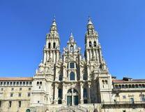 Katedra, barokowa fasada z niebieskim niebem Santiago De Compostela, Plac Del Obradoiro, Hiszpania obraz stock