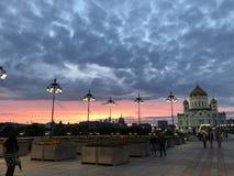 Katedra Chrystus wybawiciel w centrum Moskwa lata wieczór fotografia stock