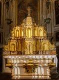 - katedra Embrun, Embrun, Alpes, Francja - zdjęcie royalty free
