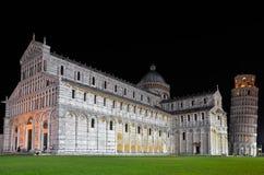 Katedra i wierza Pisa przy nocą Zdjęcie Stock