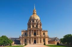 Katedra Invalids w pogodnym wiosna dniu Sławni turystyczni miejsca i podróży miejsca przeznaczenia w Paryż obrazy stock