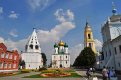 Katedra kwadrat z wniebowzięcie katedrą i świętym Nowym Golutvin monasterem w Kolomna mieście, Rosja obrazy stock