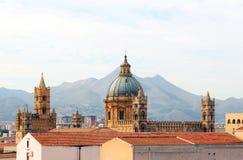Katedra Palermo dzwonkowy i kopuła góruje Obraz Stock