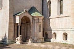 Katedra Trento Włochy południowa ręka transept z małą masą dwieście apsidine obraz stock