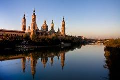 katedralna Ebro katedralna rzeka s obraz royalty free