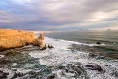 Katedralna Rockowa formacja, Peruwiańska linia brzegowa Zdjęcia Stock