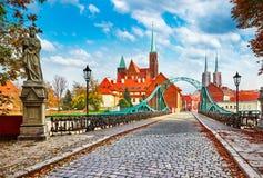 Katedralna wyspa w Wrocławskim Polska zieleni moscie zdjęcie royalty free