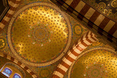 katedralnej paniusi kopuły złoty Marseille notre Zdjęcie Stock