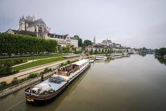 katedralny Auxerre pejzaż miejski Etienne France rzeczny świątobliwy Yonne Zdjęcie Royalty Free