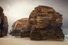 Katedry wyrzucać na brzeg z swój naturalnymi rockowymi łukami na wybrzeżu L, Fotografia Stock