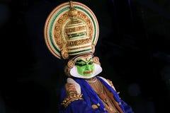 Kathakali é um dos formulários principais da dança indiana clássica fotografia de stock royalty free