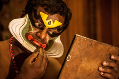 Kathakali aktör i den dygdiga pachchagräsplanrollen i Cochin Royaltyfria Bilder
