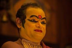 Kathakali aktör i den dygdiga pachchagräsplanrollen i Cochin Royaltyfri Bild