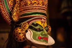 Kathakali aktör i den dygdiga pachchagräsplanrollen i Cochin Royaltyfri Foto