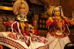 Kathakali aktör i den dygdiga pachchagräsplanrollen i Cochin Royaltyfri Fotografi