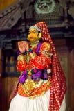 Kathakali dans i fortet Cochin, Kerala, Indien Royaltyfria Bilder