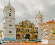 Kathedraal in de stad van Panama Stock Afbeeldingen