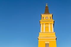 Kathedraal dichtbij het centrum van Oulu, Finland in de recente avond s stock fotografie