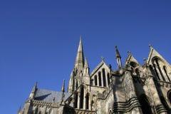 Kathedraal en hemel (ruimte voor te royalty-vrije stock foto's