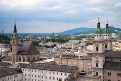 Kathedraal en panorama van Salzburg Stock Foto's