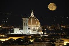 Kathedraal in Florence en nacht royalty-vrije stock afbeelding