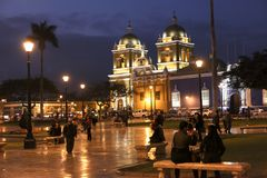 Kathedraal in het Plein DE Armas in Trujillo stock afbeeldingen