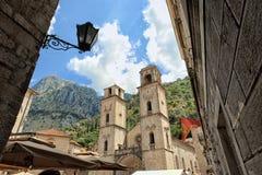 Kathedraal in Kotor, Montenegro royalty-vrije stock afbeeldingen