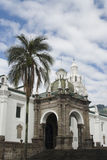 Kathedraal op plein grande quito Ecuador Stock Afbeelding