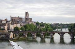 Kathedraal sainte-Cecile van Albi en cityscape van Albi Frankrijk Royalty-vrije Stock Afbeeldingen