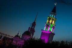 Kathedraal spaso-Preobrazhensky in de stad en de leunende toren van Nevyansk stock afbeelding