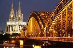 Kathedraal van de brug van Keulen en van het ijzer Royalty-vrije Stock Fotografie