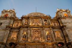 Kathedraal van Oaxaca bij nacht (Mexico) Royalty-vrije Stock Foto's