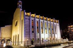 Kathedraal van Saint Joseph in Sofia, 's nachts Bulgarije Stock Foto