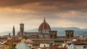 Kathedraal van Santa Maria del Fiore bij Zonsondergang Florence, Italië