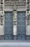 Kathedraaldeur Stock Afbeeldingen