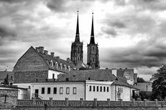 Kathedraaleiland in Wroclaw Polen met mening van St John de Doopsgezinde schilderachtige panorama middeleeuwse stad Rebecca 36 royalty-vrije stock fotografie