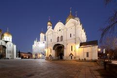 Kathedraalvierkant, binnen van Moskou het Kremlin, Rusland De Plaats van de Erfenis van de Wereld van Unesco Royalty-vrije Stock Foto's
