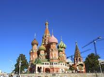 Kathedrale des Basilikums gesegnet in Moskau Stockbild