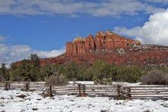 Kathedrale-Felsen-Schnee Stockbilder