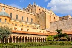 Kathedrale fotografiert von der Abtei - Monreale Lizenzfreie Stockbilder