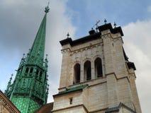 Kathedrale-Kontrolltürme Str.-Pierre, Genf Stockfoto
