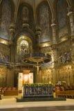 Kathedrale mit Ansicht in Hintergrund von schwarzem Madonna an der Benediktiner-Abtei bei Montserrat, Santa Maria de Montserrat,  Stockfotos