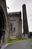 Kathedrale St. Canices und runder Turm in Kilkenny Stockfoto