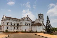 Kathedrale St. Catherine, altes Goa, Indien am sonnigen Tag Katholische Kirche lizenzfreie stockfotos