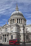 Kathedrale Str.-Pauls vom Süden Lizenzfreie Stockbilder