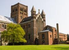 Kathedrale und Abbey Church des Heiligen Alban in St Albans, Großbritannien Stockfotografie