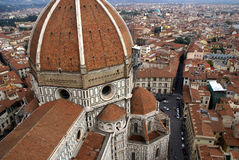 Kathedrale und Stadt Lizenzfreie Stockfotos