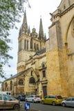 Kathedrale verärgert innen stockbild