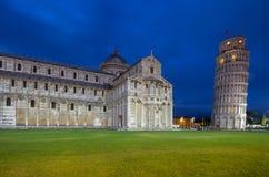Kathedrale von Pisa und von lehnendem Turm im Quadrat von Wundern, I Stockfotos