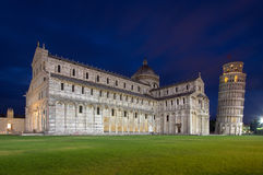 Kathedrale von Pisa und von lehnendem Turm im Quadrat von Wundern, I Stockfotografie